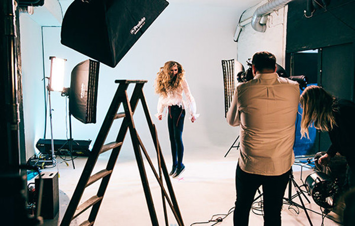 Profoto-D2-A-week-in-a-photographers-life-Thursday-BTS-600px-011-600x382.jpg